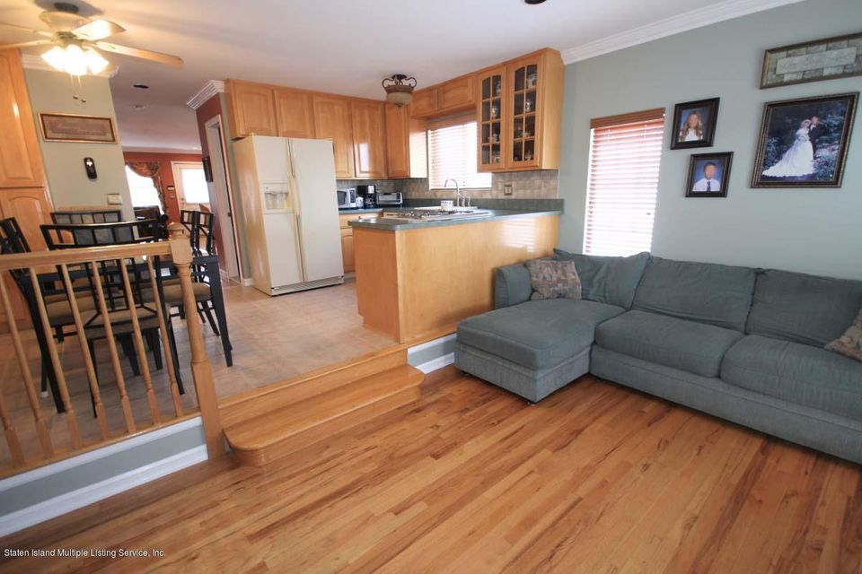 Single Family - Semi-Attached 1016 Sheldon Avenue  Staten Island, NY 10309, MLS-1113180-11