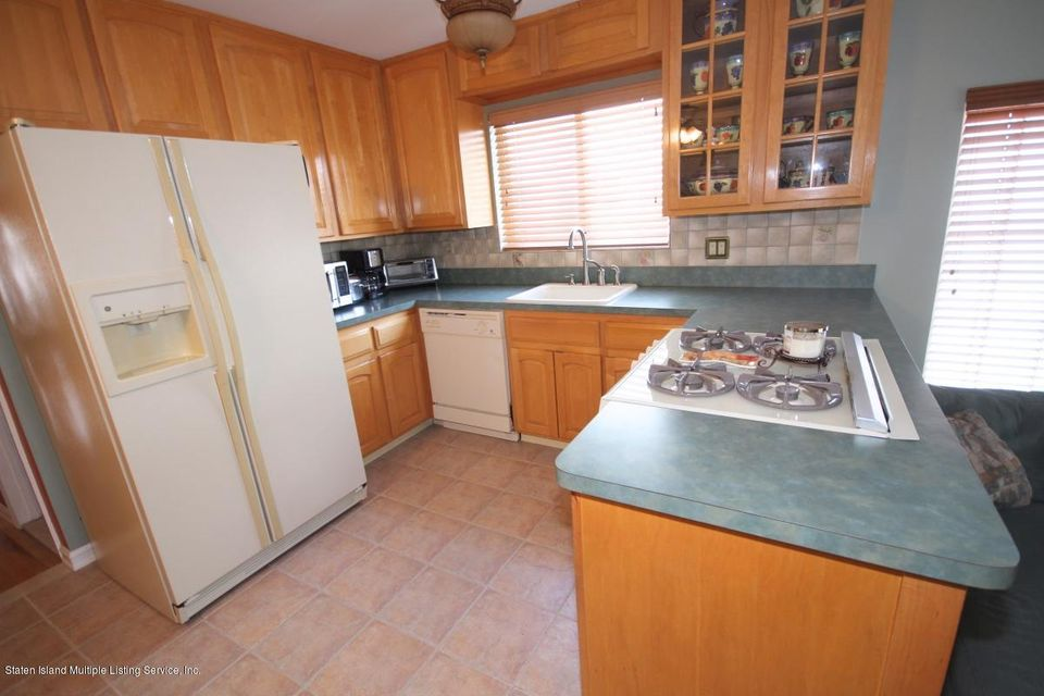 Single Family - Semi-Attached 1016 Sheldon Avenue  Staten Island, NY 10309, MLS-1113180-12