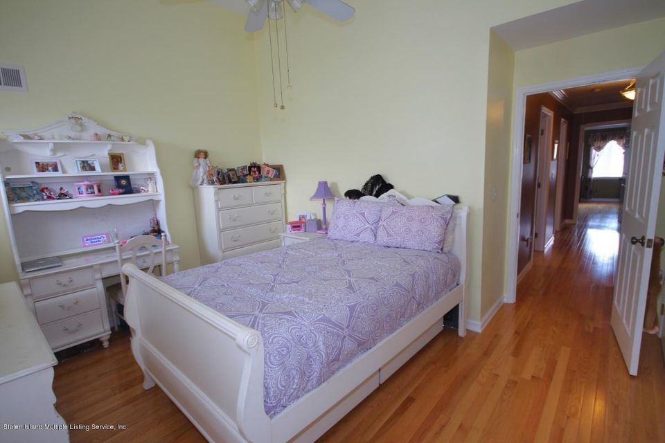 Single Family - Semi-Attached 1016 Sheldon Avenue  Staten Island, NY 10309, MLS-1113180-19