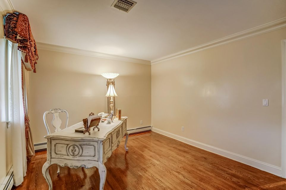Additional photo for property listing at 21 Fingal Street  Staten Island, New York 10312 United States