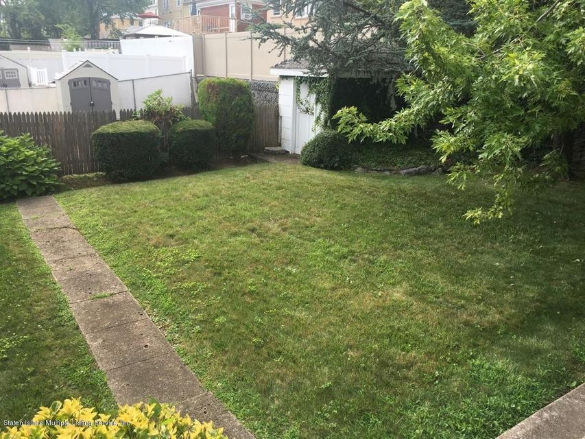 Additional photo for property listing at 653 Edgegrove Avenue  Staten Island, New York 10312 United States