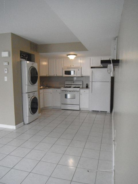 Single Family Home for Rent at 33a White Oak Lane Staten Island, New York 10309 United States