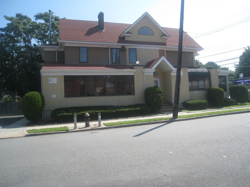 Additional photo for property listing at 427 Forest Avenue  Staten Island, New York 10301 United States
