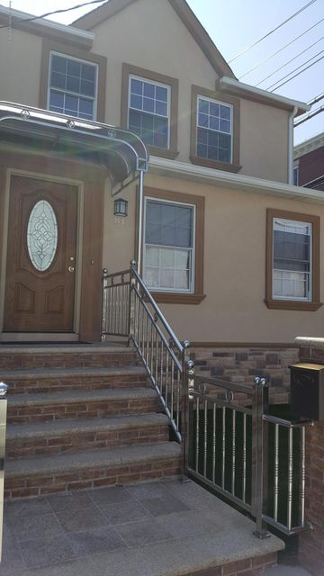 Single Family - Detached in Concord - 81 Rhine Avenue  Staten Island, NY 10304