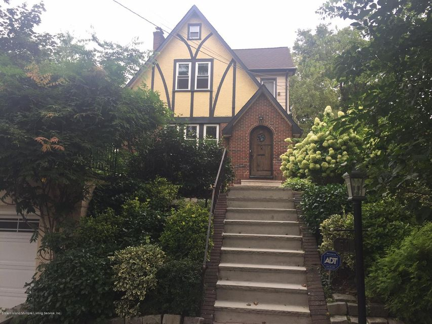 Single Family Home for Sale at 50 Fort Hill Circle Staten Island, New York 10301 United States