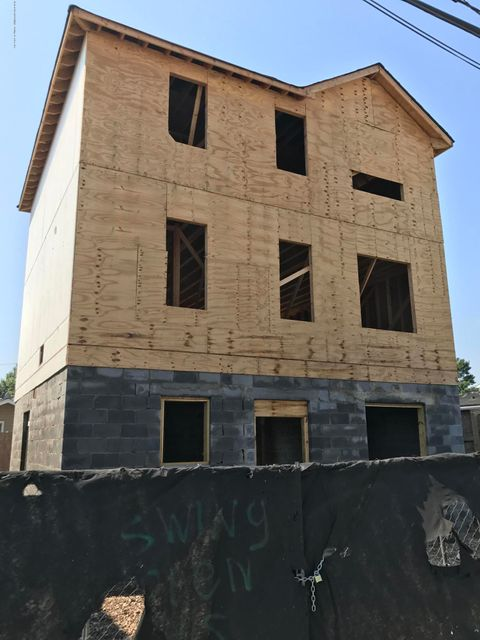 Single Family Home for Sale at 22 Milbank Road Staten Island, 10306 United States