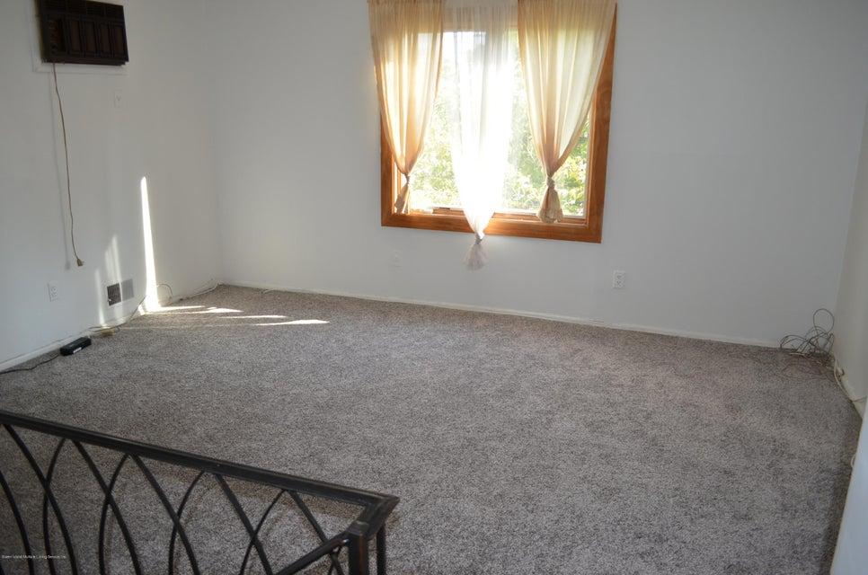 Additional photo for property listing at 156 Glenn Road  Staten Island, New York 10314 United States