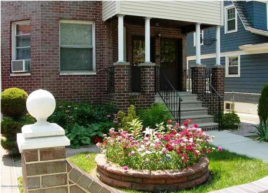 Single Family Home for Rent at 206 Elizabeth Street Staten Island, New York 10310 United States