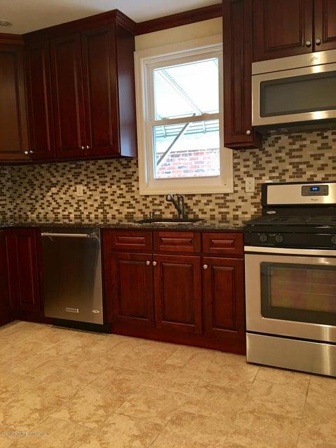 Additional photo for property listing at 206 Elizabeth Street  Staten Island, New York 10310 United States