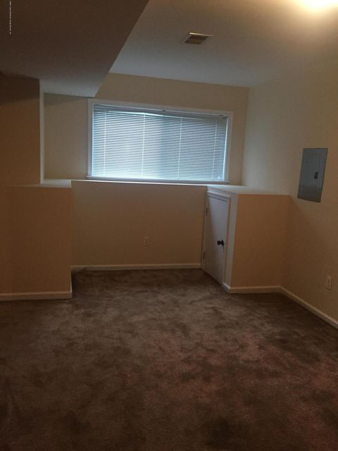 Additional photo for property listing at 1062 Rossville Avenue  Staten Island, New York 10309 United States
