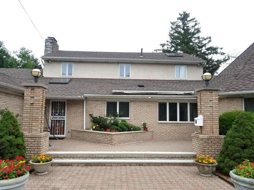 Single Family - Detached in Todt Hill - 283 Ocean Terrace   Staten Island, NY 10301