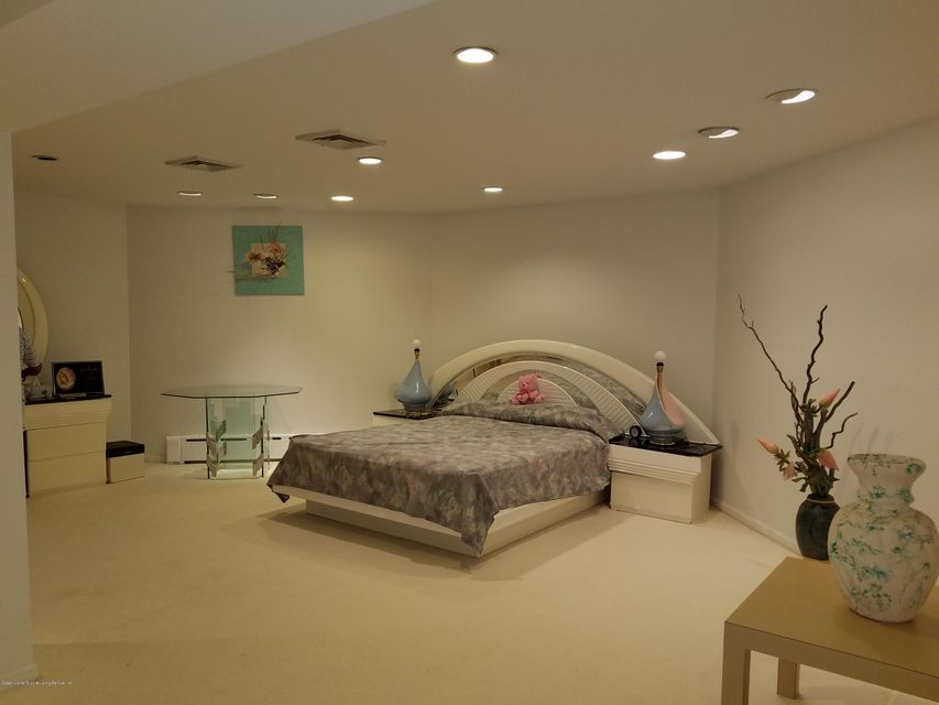 Single Family - Detached 283 Ocean Terrace   Staten Island, NY 10301, MLS-1115345-60