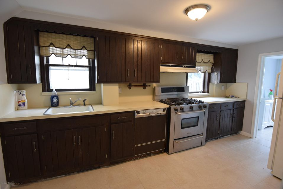 Additional photo for property listing at 75 Cliff Street  Staten Island, New York 10305 United States