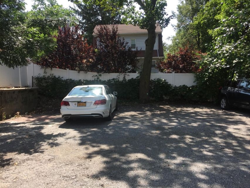 Additional photo for property listing at 788 Forest Avenue  Staten Island, New York 10310 United States