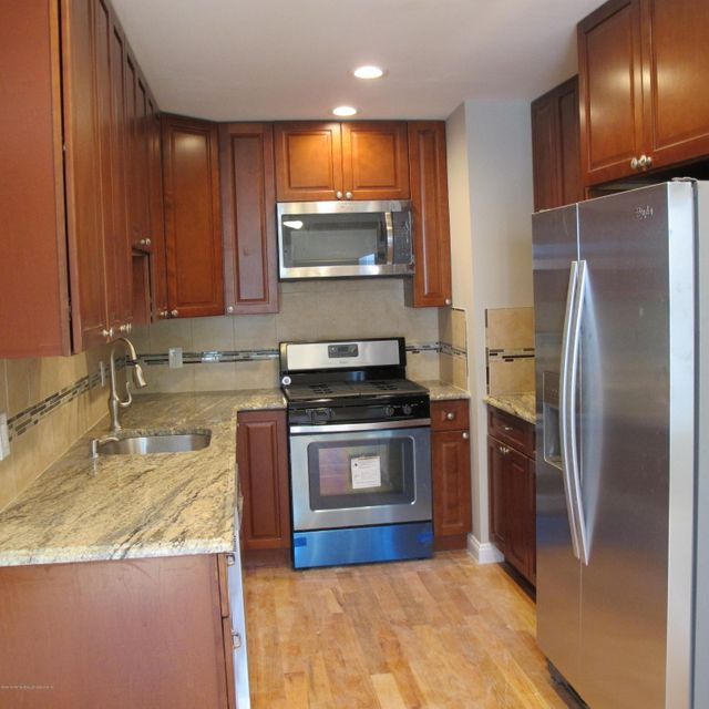 Single Family - Attached 144 Emily Lane  Staten Island, NY 10312, MLS-1113501-4