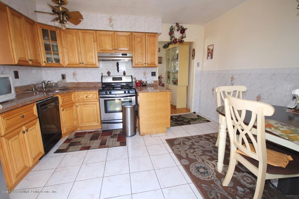 Additional photo for property listing at 36 Longdale St  Staten Island, New York 10314 United States