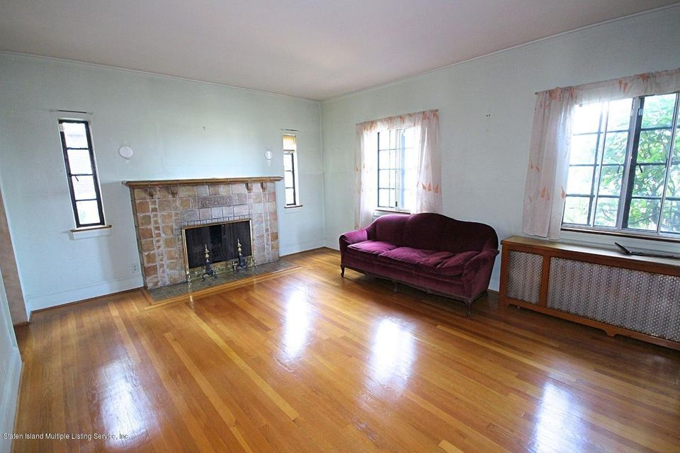 Additional photo for property listing at 41 Wilsonview Place  Staten Island, New York 10304 United States