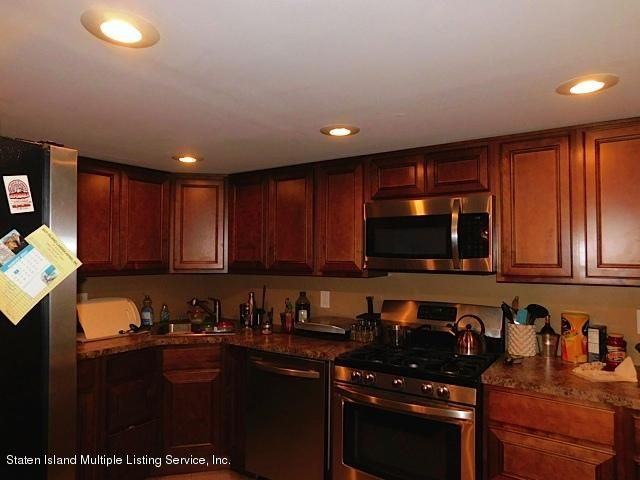 Additional photo for property listing at 320 Hampton Green  Staten Island, New York 10312 United States