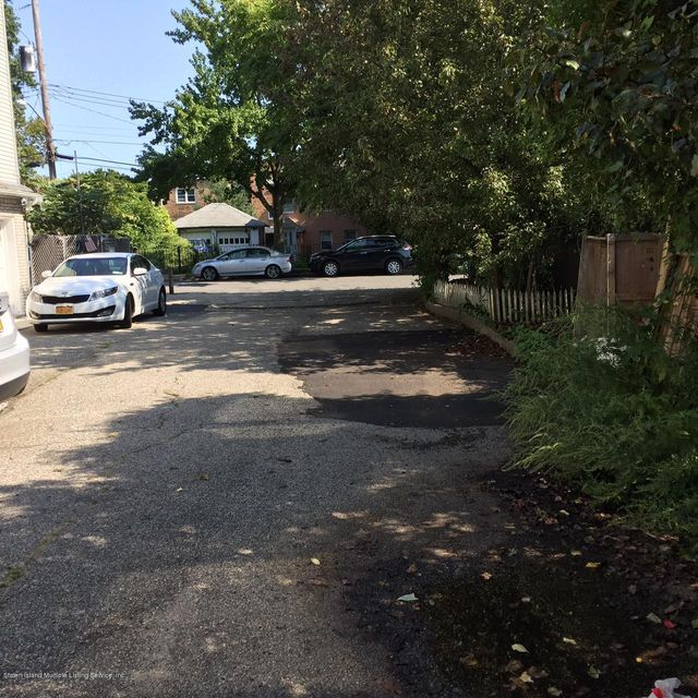 Additional photo for property listing at 300 Alter Avenue  Staten Island, New York 10305 United States