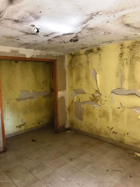 Additional photo for property listing at 2020 Jerome Avenue  Brooklyn, New York 11235 United States