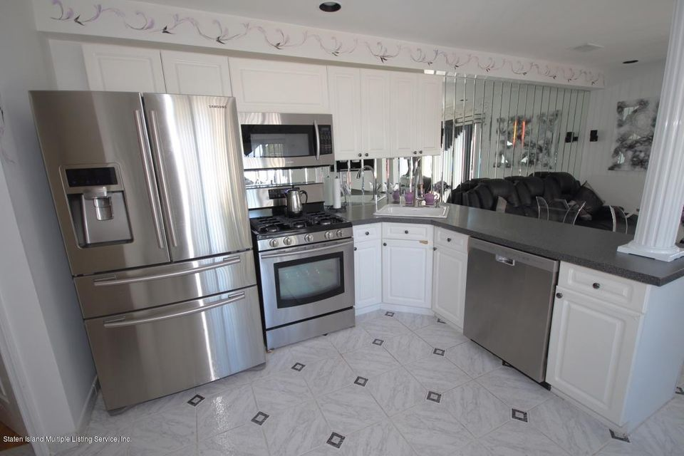 Single Family - Attached 16 Barry Court  Staten Island, NY 10306, MLS-1113613-6