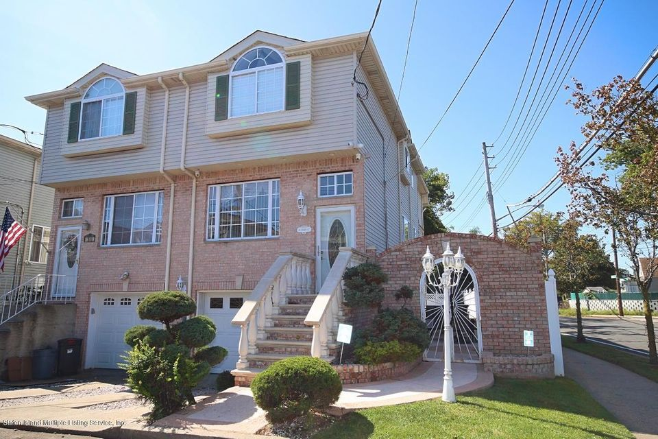 Single Family - Attached 16 Barry Court  Staten Island, NY 10306, MLS-1113613-25