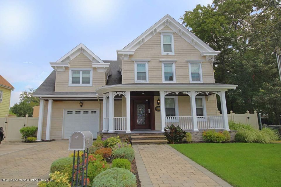 Single Family - Detached in Tottenville - 21 Sprague Avenue  Staten Island, NY 10307