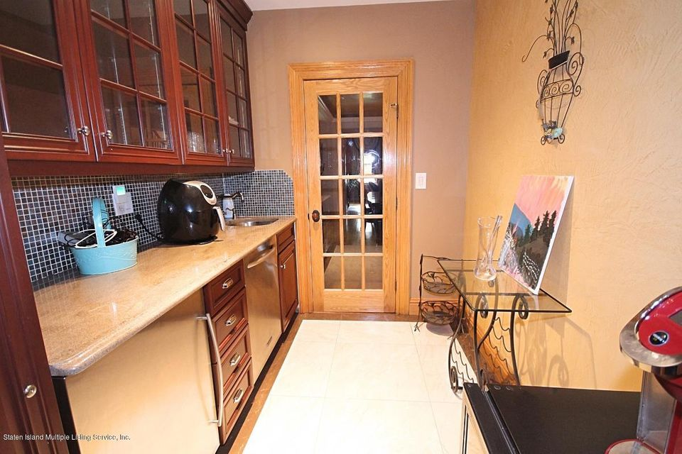 Single Family - Detached 21 Sprague Avenue  Staten Island, NY 10307, MLS-1113641-15