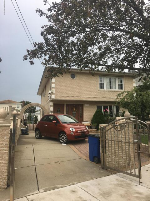 Single Family Home for Sale at 128 Reid Avenue Staten Island, New York 10304 United States