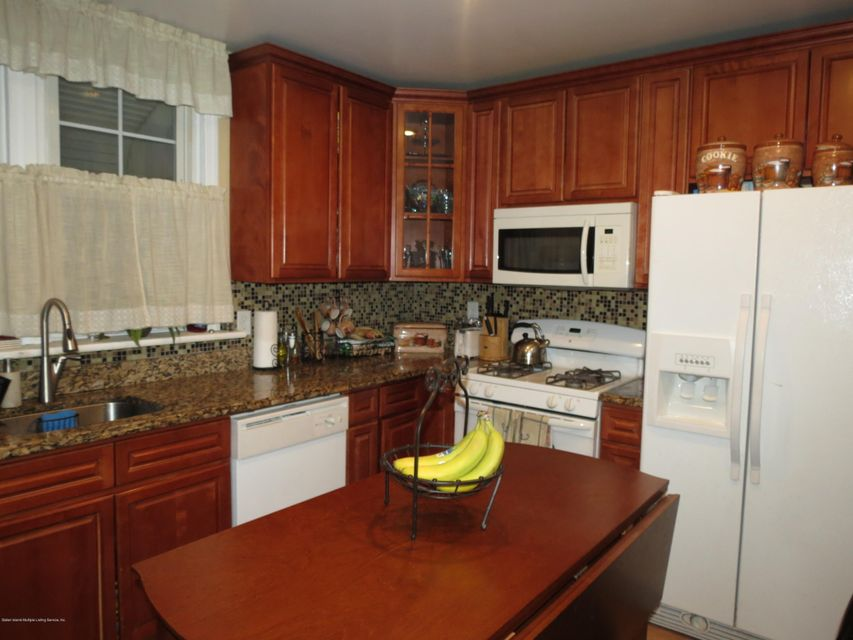 Additional photo for property listing at 2 Smith St  Staten Island, New York 10305 United States