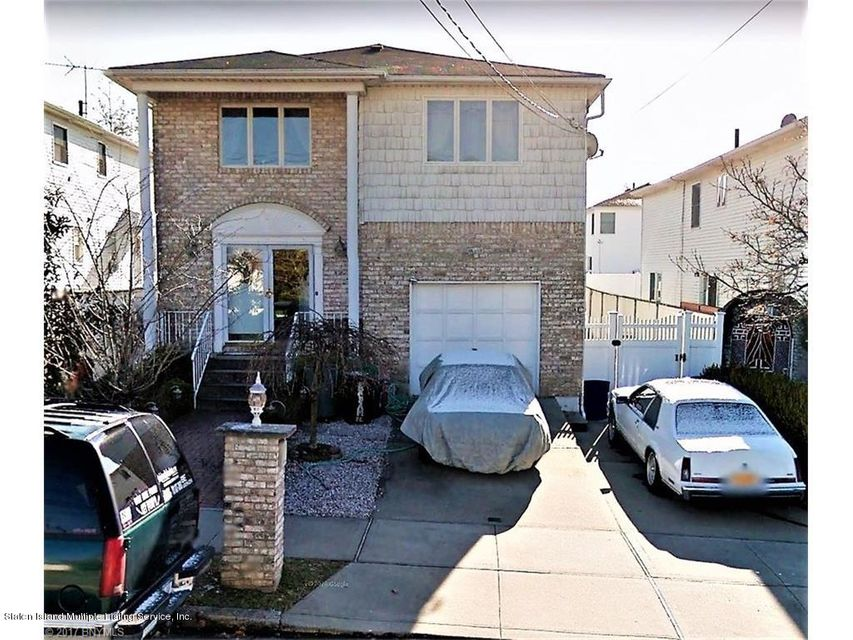 Single Family Home for Sale at 48 Balsam Place Staten Island, New York 10309 United States