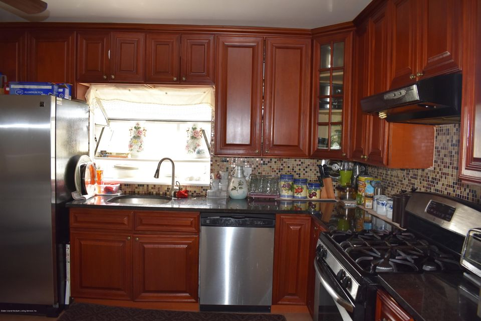 Two Family - Detached 236 Kell Avenue  Staten Island, NY 10314, MLS-1113722-5