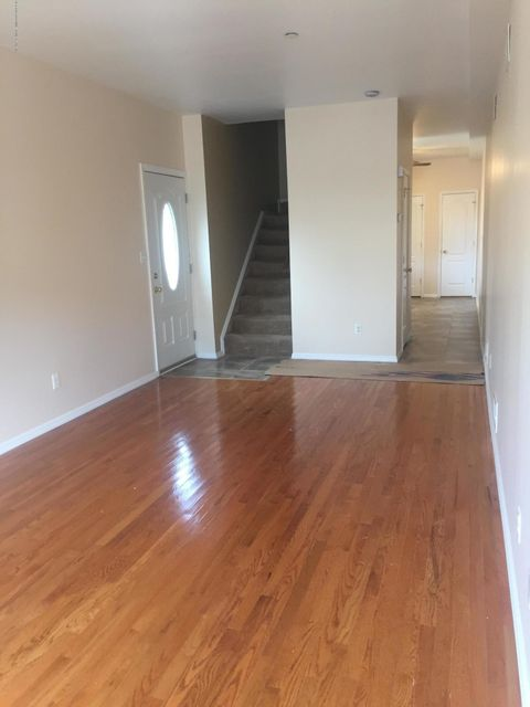Additional photo for property listing at 34 Wayne Street  Staten Island, New York 10310 United States