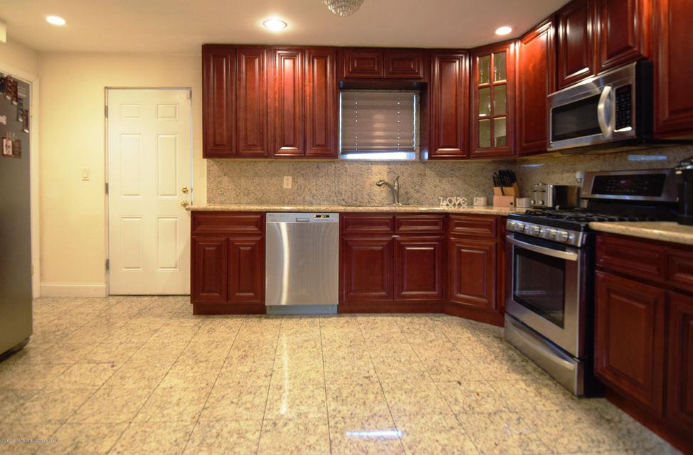Single Family - Detached 463 Lincoln Avenue  Staten Island, NY 10306, MLS-1113742-11