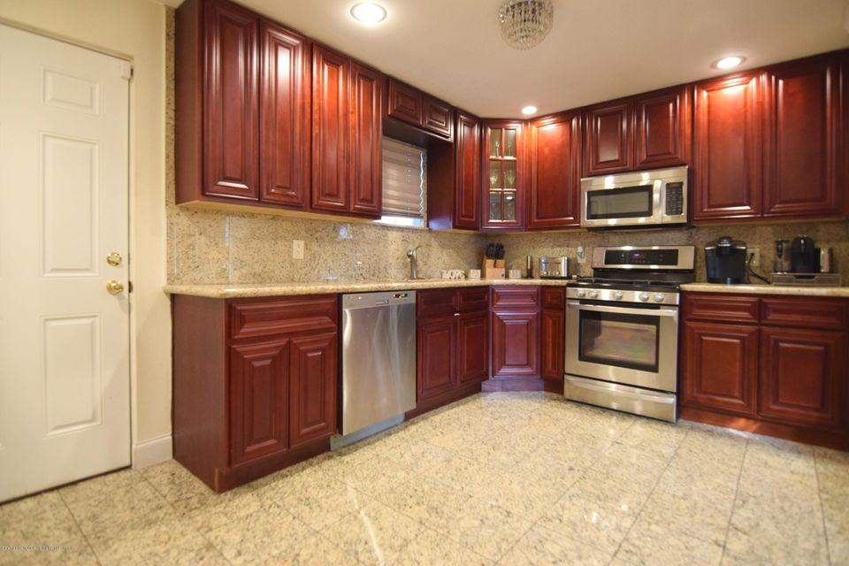 Single Family - Detached 463 Lincoln Avenue  Staten Island, NY 10306, MLS-1113742-13