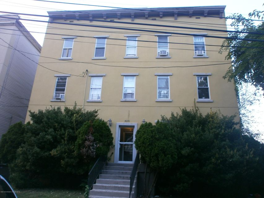 Single Family Home for Rent at 323 Fillmore St Staten Island, New York 10301 United States