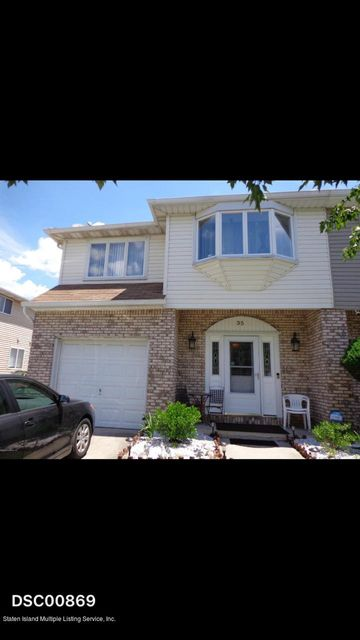 Single Family Home for Rent at 35 Hemlock Street Staten Island, New York 10309 United States