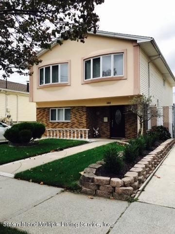 Single Family Home for Sale at 144 Fieldstone Road Staten Island, New York 10314 United States
