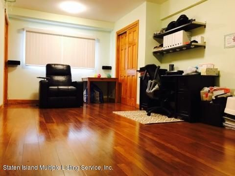 Additional photo for property listing at 144 Fieldstone Road  Staten Island, New York 10314 United States