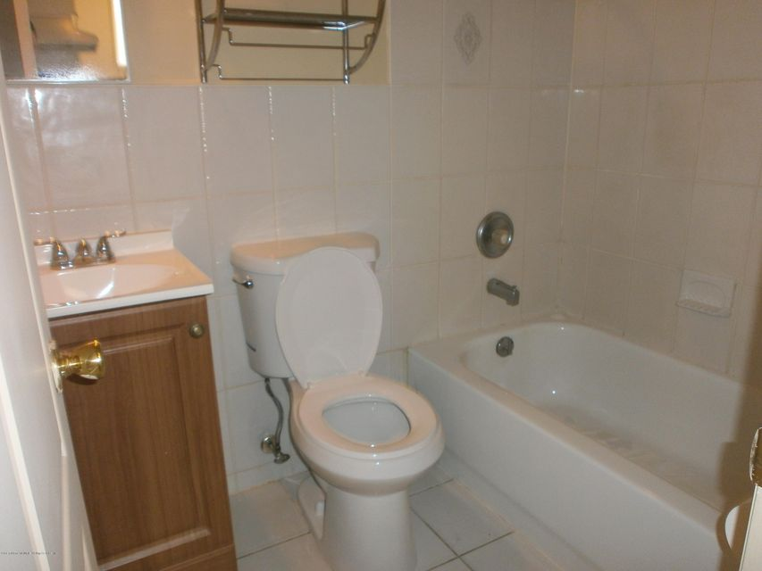 Additional photo for property listing at 367 Oak Ave  Staten Island, New York 10306 United States