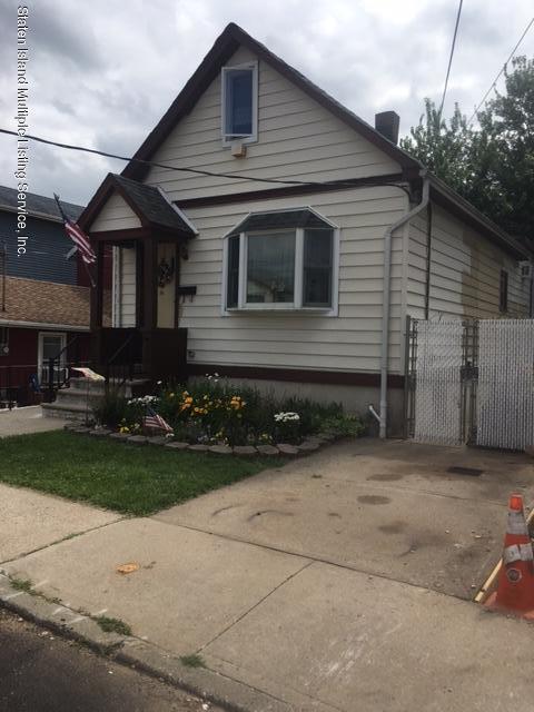 Single Family - Detached in Sunnyside - 90 Ontario Avenue  Staten Island, NY 10301