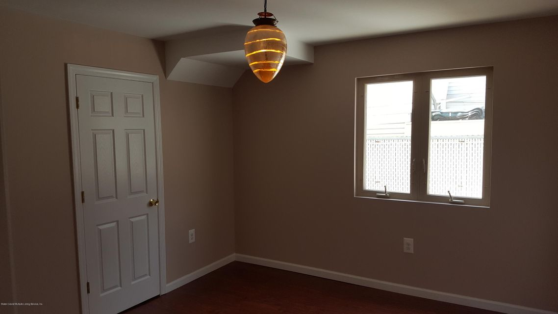 Additional photo for property listing at 33 Osborn Avenue  Staten Island, New York 10308 United States