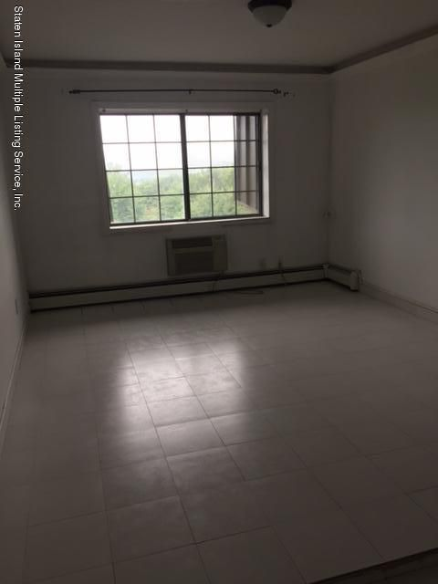 Additional photo for property listing at 2 Elmwood Park  Staten Island, New York 10314 United States