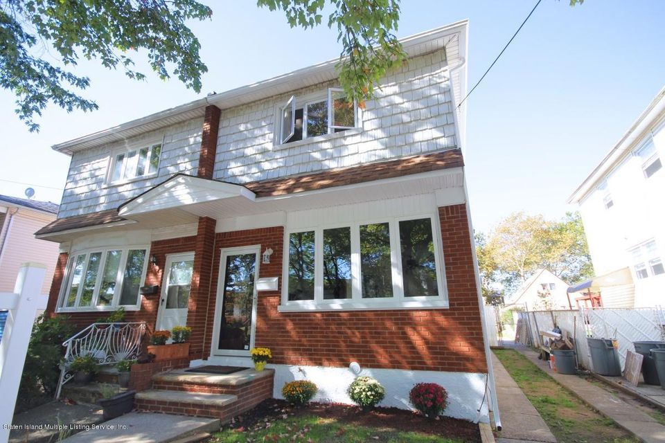Single Family - Semi-Attached in Manor Heights - 342 Mountainview Avenue  Staten Island, NY 10314
