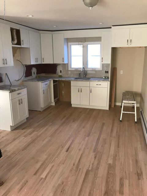 Additional photo for property listing at 471 Elverton Ave  Staten Island, New York 10308 United States