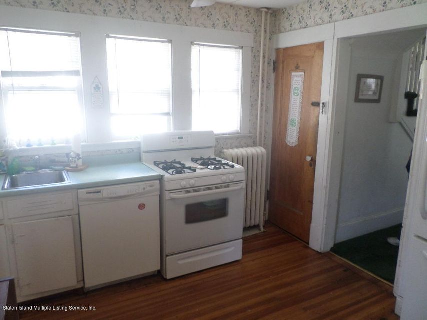 Additional photo for property listing at 74 Hillcrest Avenue  Staten Island, New York 10308 United States