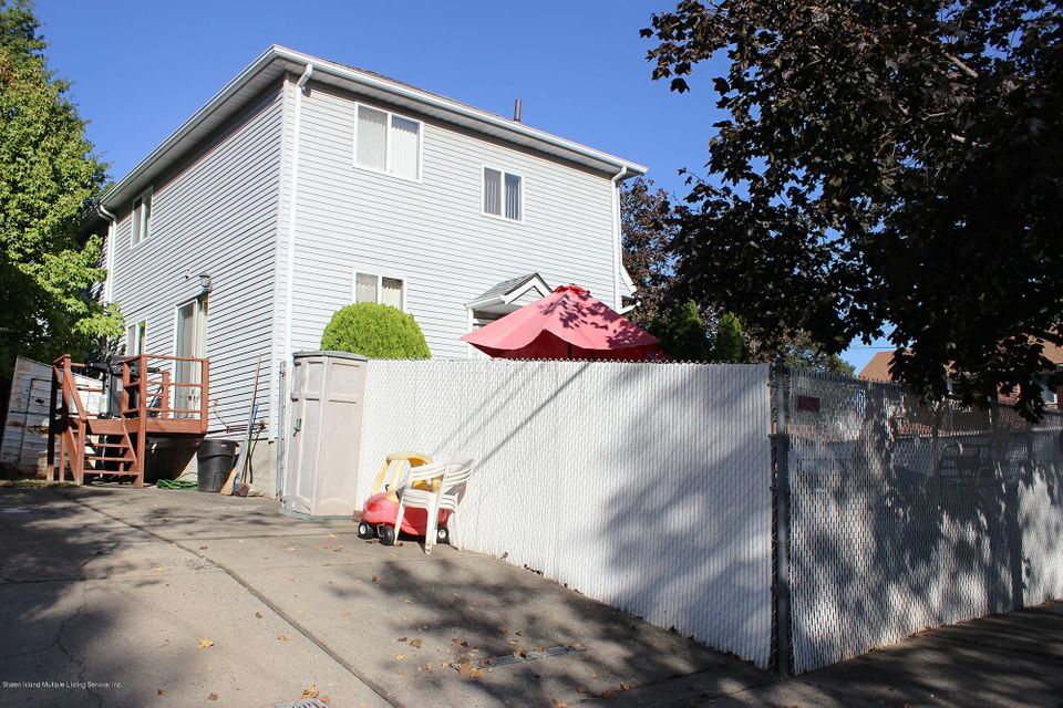 Additional photo for property listing at 69 Coverly Street  Staten Island, New York 10306 United States