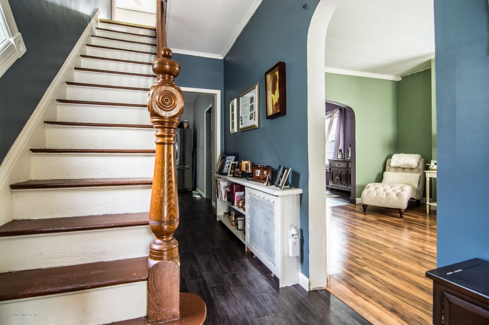 Additional photo for property listing at 117 Wood Avenue  Staten Island, New York 10307 United States