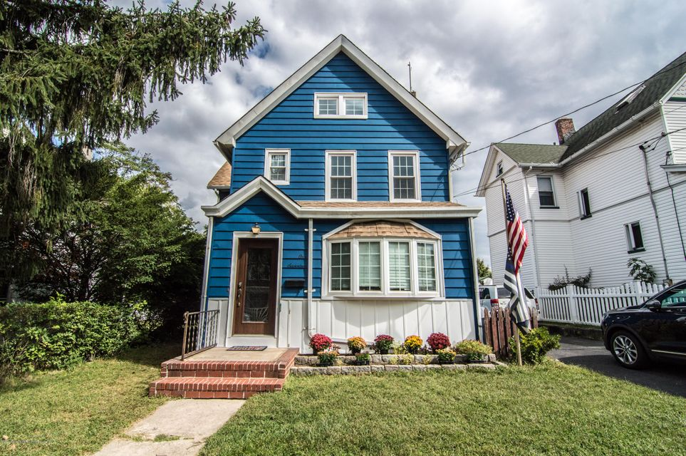 Single Family Home for Sale at 117 Wood Avenue Staten Island, New York 10307 United States