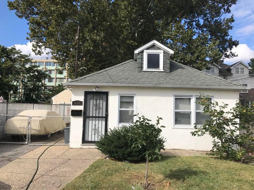 Single Family - Detached in Mariners Harbor - 372 Union Avenue  Staten Island, NY 10303